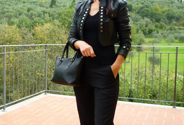 stylizacja z czarna kurtka ,Women`s Black Leather Jacket