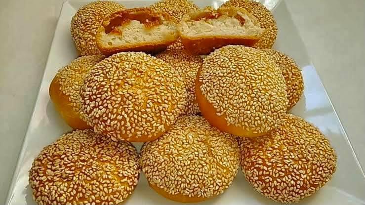 نواعم الافران او القرص المحشيه قرفه وسكر