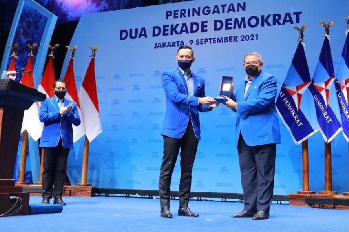 Dikritik Para BuzzeRp, Demokrat Beri Penjelasan Soal AHY Beri Penghargaan ke SBY dan Ibas