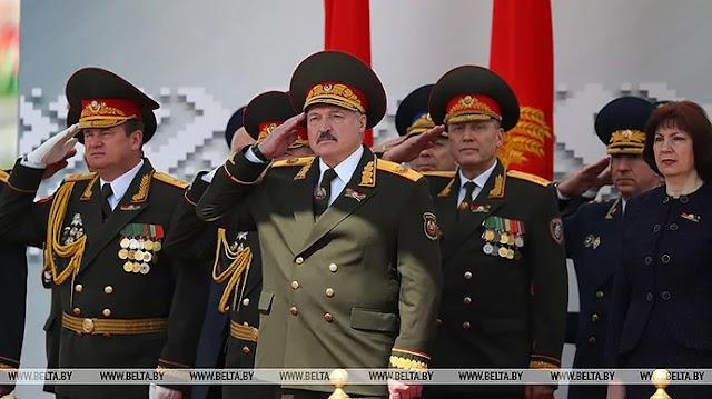 Лукашенко закликав світ не засуджувати Білорусь за парад під час пандемії