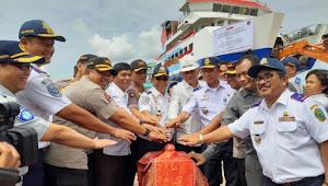 Juang Sinaga Turut Luncurkan Kapal Ro-Ro Ihan Batak II di Porsea