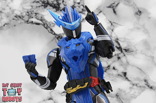 S.H. Figuarts Kamen Rider Blades Lion Senki 11