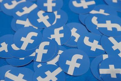 Facebook remove contas falsas relacionada ao PSL e a gabinetes da família Bolsonaro
