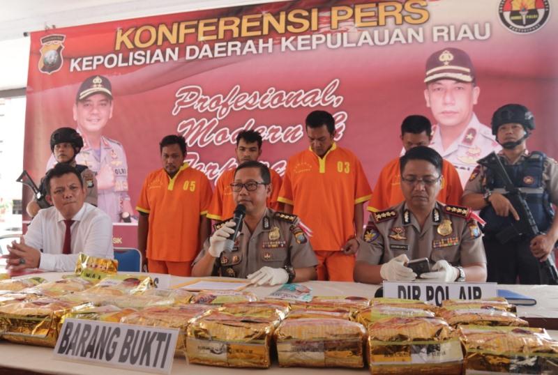 Polda Kepri Ungkap Jaringan Internasional Penyelundupan Narkotika Sabu 30,8 Kg