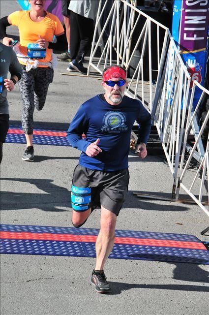 668613eb3634a Corgi Mama Runner  Desiree Linden wins 2018 Boston Marathon