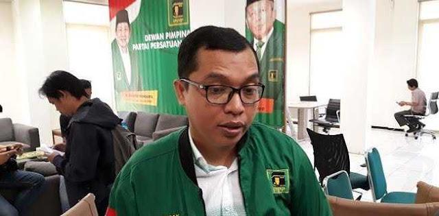 PPP: Menteri Agama Harus Jelaskan Larangan Cadar Dan Celana Cingkrang Untuk Siapa?