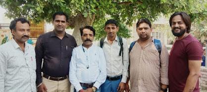 मीडिया कर्मियों ने नंदी गौसेवा धाम में चारे का दिया सहयोग