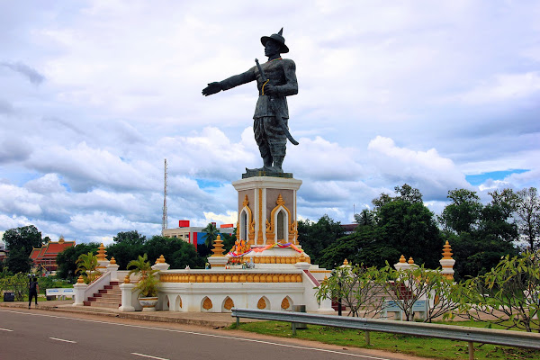 Statue of King in Chao Anouvong Park Vientiane