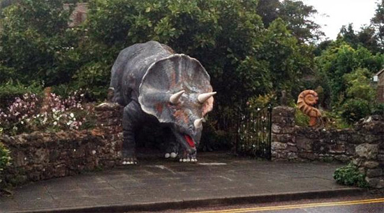 Réplica de Dinossauro Triceratopes na Ilha de Wight