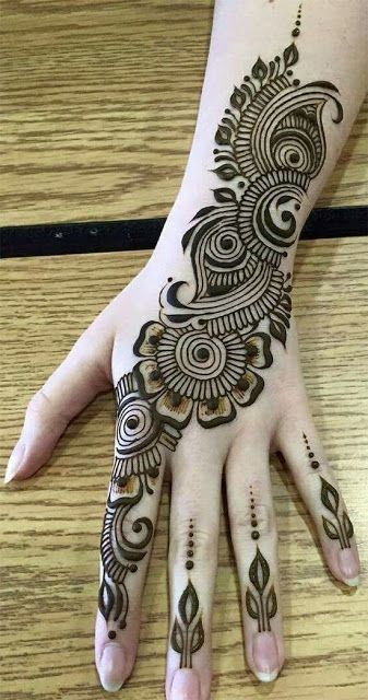 mehndi design 2021 easy and beautiful I Paisley for back hands