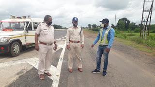 यातायात थाना प्रभारी राघवेंद्र भार्गव द्वारा लगातार भ्रमण कर जिले के समस्त ब्लैक स्पॉट की समीक्षा की