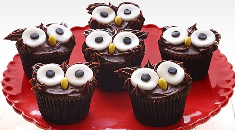Tweet Owl Cupcakes: Baking With Children