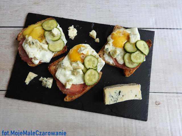 Kanapki z gorgonzolą i jajem - CZYTAJ DALEJ