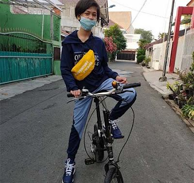 Asya Lianda Bersepeda