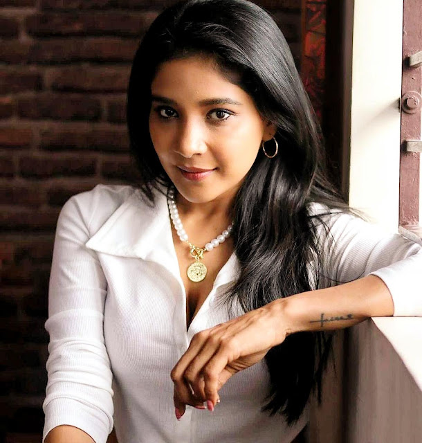 Tamil Actress Sakshi Agarwal Latest Facebook Photos in White Shirt with Jewellery Actress Trend