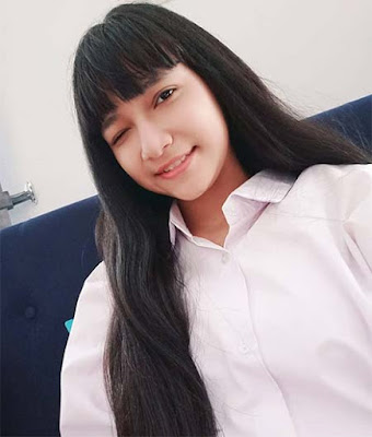 Nayla Sandova Anam Rambut Panjang