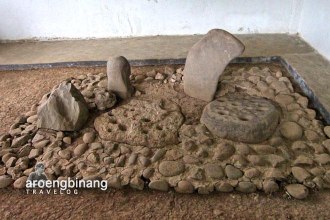 prasasti batu dakon bogor