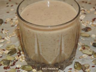 Reteta smoothie de fructe cu fulgi de ovaz natural de casa retete culinare bauturi fresh de cereale cu mere banane portocale suc de lamaie seminte de in si dovleac pentru diete si cure de sanatate,