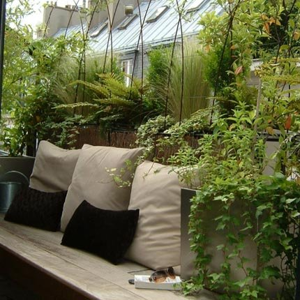 balcón transformado en mini-terraza