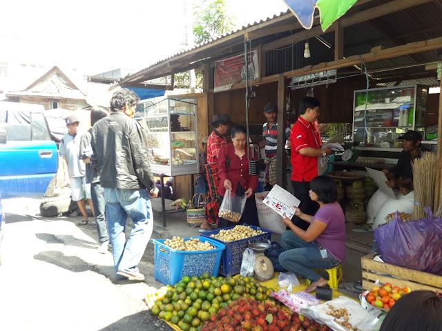 Kampanye NA- ASS di Pasar Makale, PDIP Tana Toraja Kaget Lihat Reaksi Penjual
