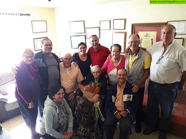 El Ayuntamiento felicita a su Hija Predilecta Nieves Jiménez en su 100 cumpleaños