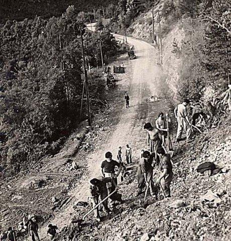 Chantiers de Jeunesse helping to build a roadway in France, 9 January 1941 worldwartwo.filminspector.com