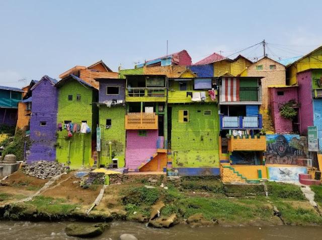 colorfull house, rumah warna warni, tempat wisata malang, malang raya, wisata malang