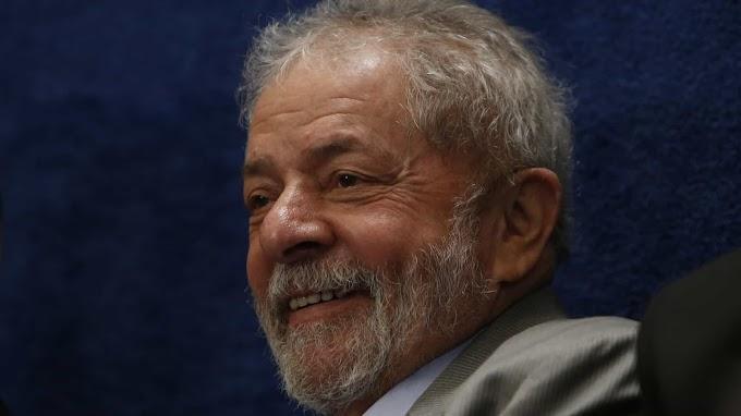 Papa Francisco envia carta a Lula pedindo para ele não desanimar