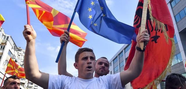 Αθήνα: «Ναι» σε Σκόπια και Αλβανία για ένταξη στην ΕΕ