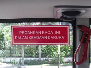 Martil Pemecah Kaca Bus Pariwisata
