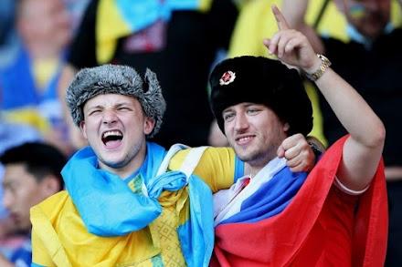 Евро-2020: инцидент между украинскими и российским болельщиками