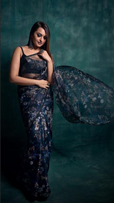 Sonakshi Sinha sheer saree bralette the kapil sharma show