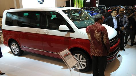 Pt Garuda Mataram Motor As The Sole Agent Of Volkswagen Vw In Indonesia Presents A Limited Edition Red White Caravelle T6 Gaikindo