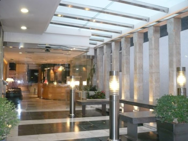 la hall dell'hotel confort a Barcellona