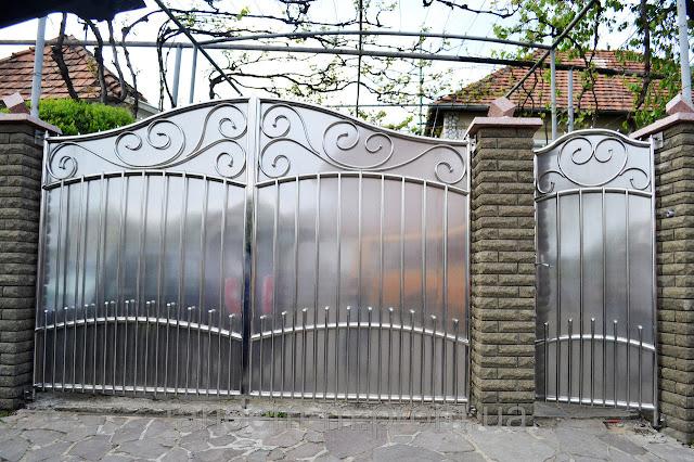 Mẫu cổng inox 2 cánh tinh tế