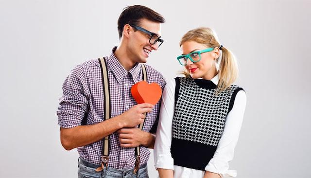 How Nerd Dating Got Easier: eAskme