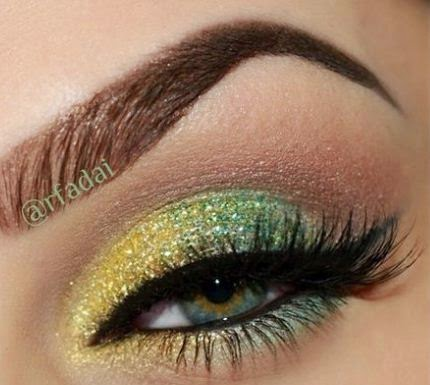 maquillaje-ojos-noche-sombras-brillos