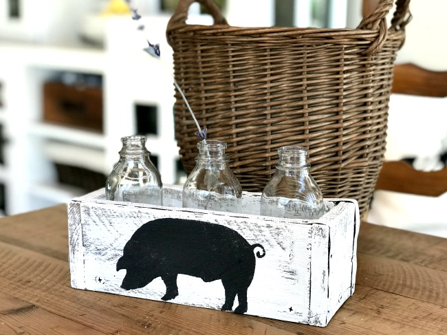 DIY Bud Vase with farmhouse pig stencil