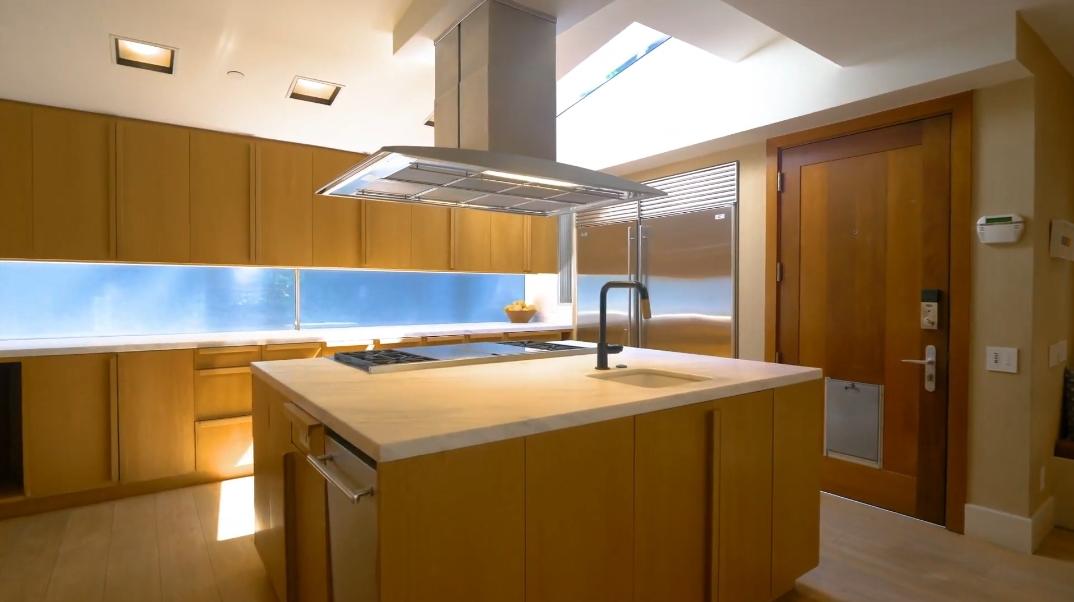 39 Interior Design Photos vs. 12835 Mulholland Dr, Beverly Hills, CA Ultra Luxury Home Tour