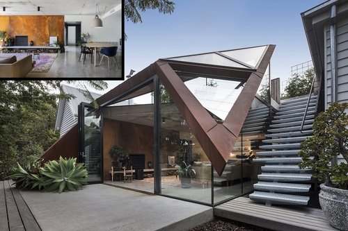 00-Damian-Rogers-Glass-Architecture-with-The-Leaf-House-www-designstack-co