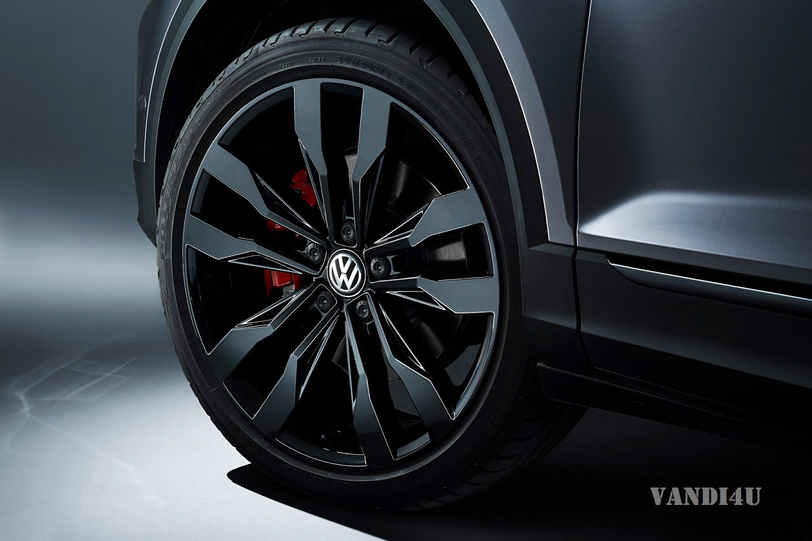 Volkswagen T-Roc gets New Top-Of-The-Range Engine And More Customisation Options   VANDI4U