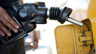 News: Fuel scarcity looms in Lagos as oil marketers threaten shutdown