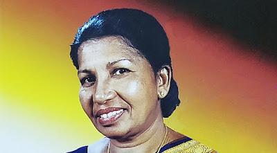 Hiru Kumaruyi Sanda Kumariyi Song Lyrics - හිරු කුමරුයි සඳ කුමරියි ගීතයේ පද පෙළ