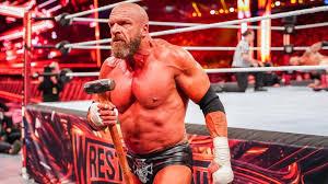 Triple H não descarta Conor McGregor e Daniel Cormier futuramente na WWE
