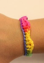 http://translate.googleusercontent.com/translate_c?depth=1&hl=es&rurl=translate.google.es&sl=en&tl=es&u=http://www.sahrit.com/fun-colorful-bracelet/&usg=ALkJrhglOVKO-a6Bav6TieJxvZEUP9vUiA