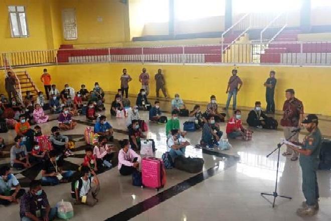 Kontrak Kerja Habis, 53 Pekerja Migran Indonesia Tiba di Bone