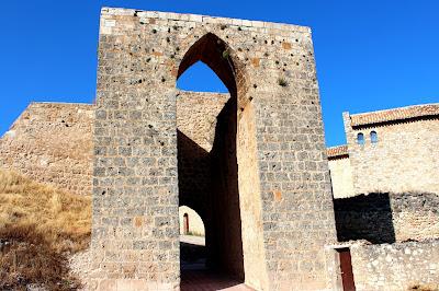 Dónde ver campos de lavanda en España. Campos de lavanda de Brihuega. Qué ver en Brihuega. Puerta de Cogazón