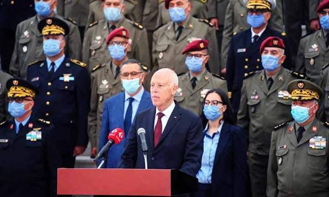 رئيس الجمهورية قيس سعيد يحذّر من محاولة الزج بالمؤسسة العسكرية في الصراعات السياسية