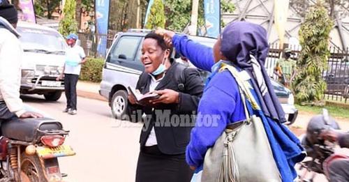 Evangelista sofre agressão enquanto pregava na rua, em Uganda