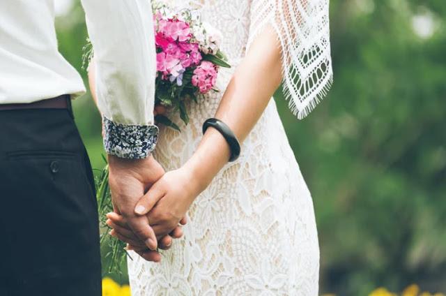 Bukan Jatuh Cinta, Tapi Membangun Cinta Untuk Bahagia